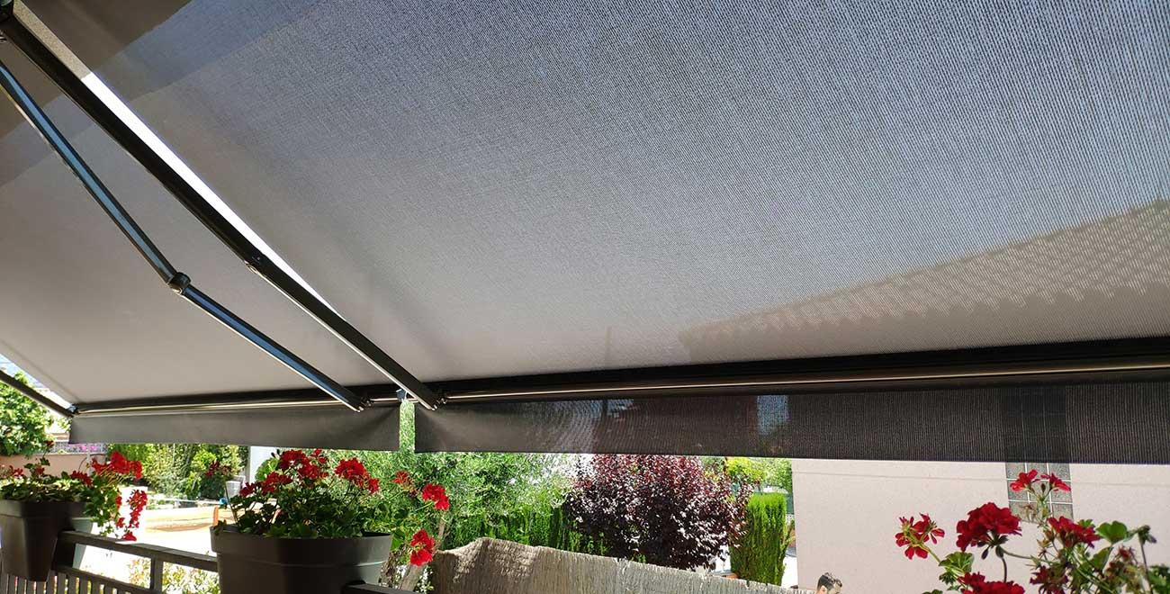 Toldo Brazo invisible en balcón
