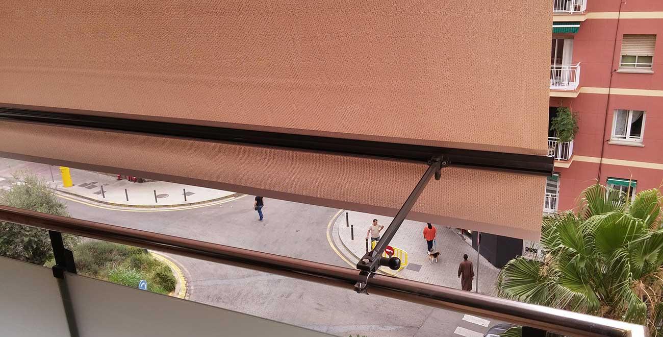 Detalle fijación Toldo para Balcones Telon Stor
